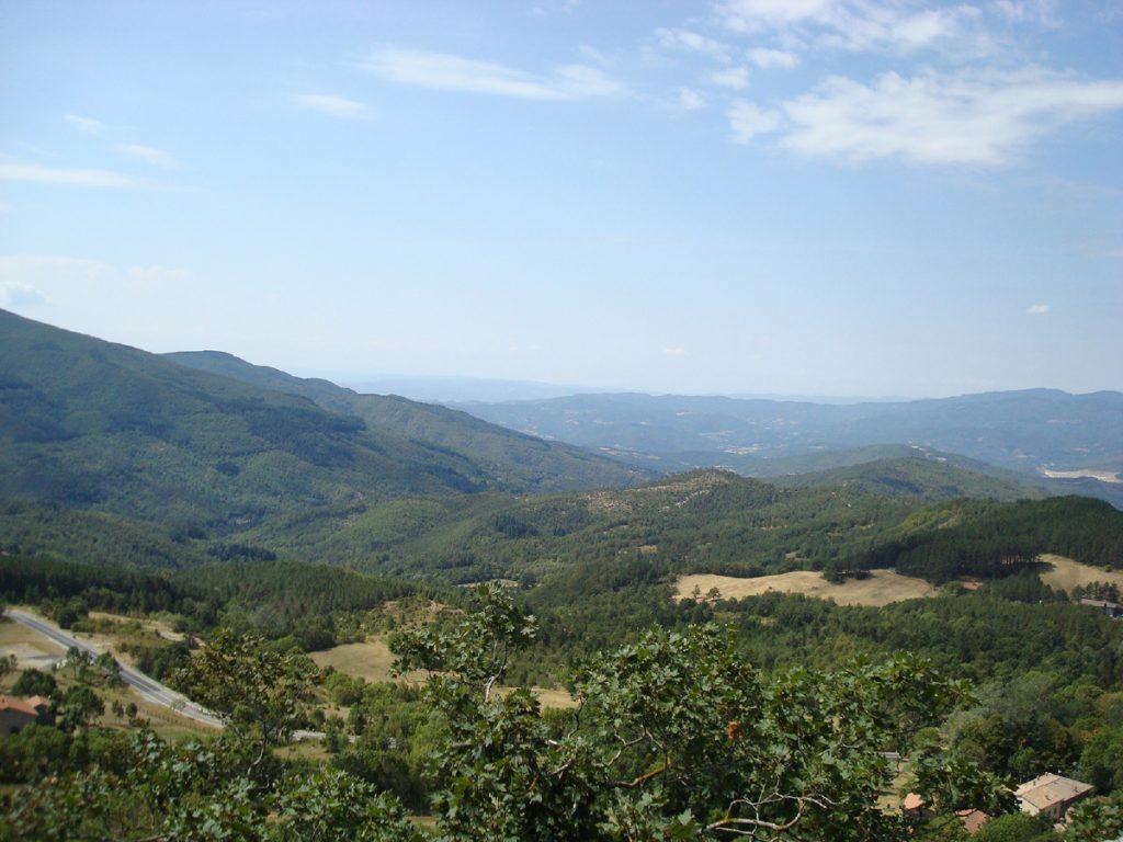 18:30 h Vom Weiler Grigliano blicken wir ins Tibertal. Jetzt ist es nicht mehr weit nach Pieve Santo Stefano.