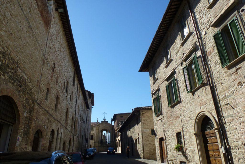 Auf der linken Seite – mein liebes Kloster.