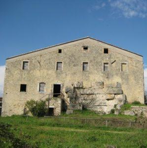 Unten im Keller warten Schätze. Quelle: http://www.lazioturismo.it/asp/scheda_archeo.asp?id=50