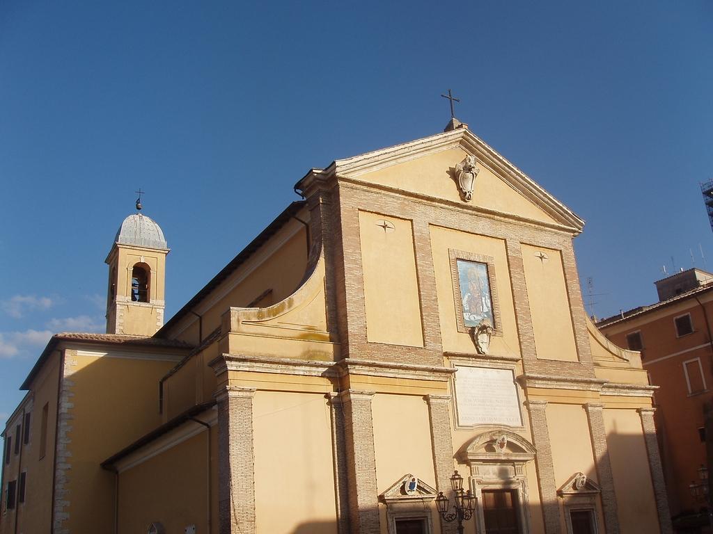 Der Dom von Monterotondo Quelle: Di Marco Lucente Satyricon86, https://commons.wikimedia.org/w/index.php?curid=5090855