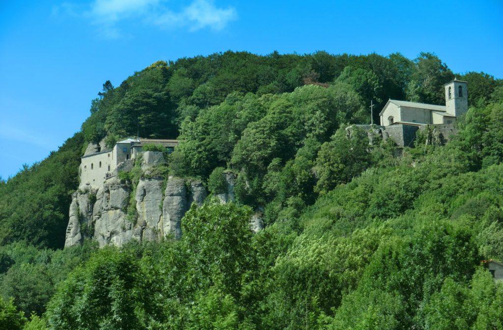Das Kloster La VernaVon Mattana - Eigenes Werk, CC BY-SA 3.0, https://commons.wikimedia.org/w/index.php?curid=15620645